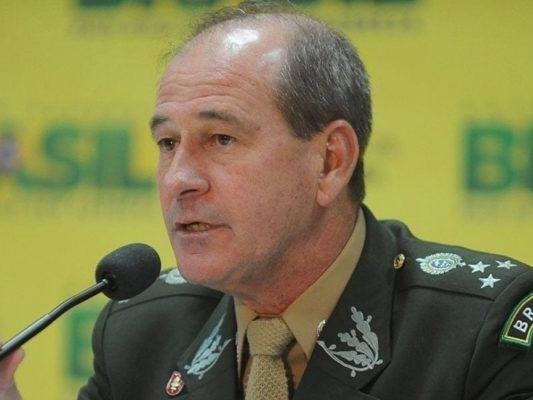 64183,bolsonaro-anuncia-general-de-exercito-para-ministerio-da-defesa-3