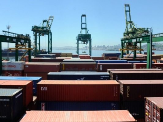 65196,balanca-comercial-brasileira-registra-superavit-de-us-4-bi-em-novembro-3
