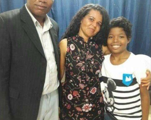 Pastor Edson, esposa Irá e filho Jr